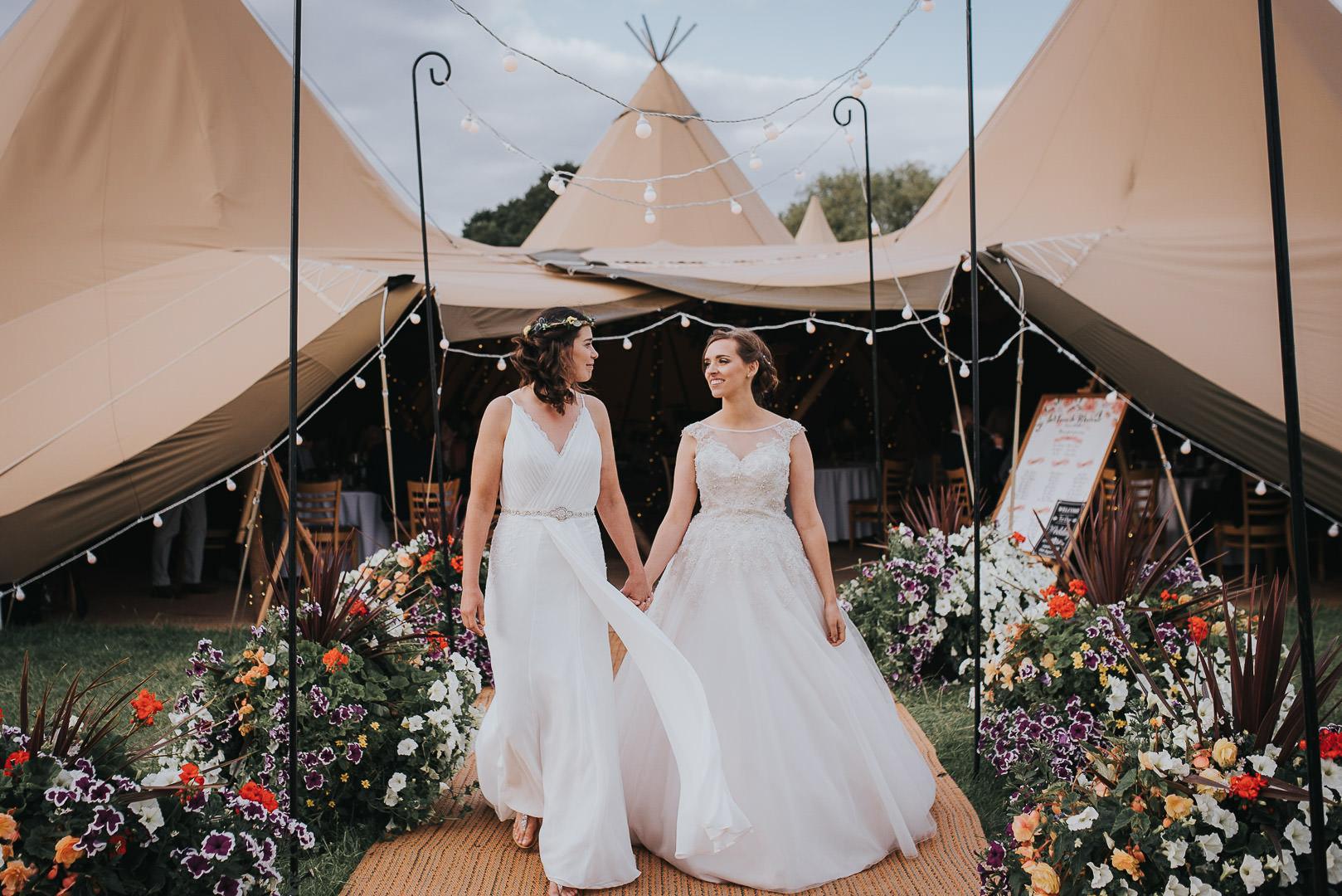 Nottingham tipi wedding